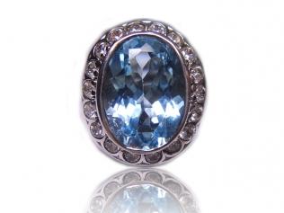 Серебряное кольцо с топазом -