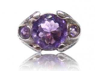 Серебряное кольцо с аметистом -