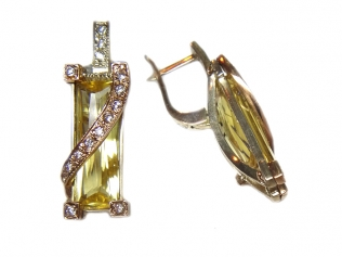 Серебряные серьги с фианитом