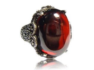 Серебряное кольцо с янтарем -