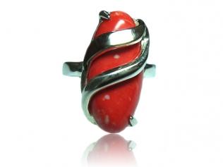 Серебряное кольцо с коралом