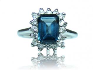 Серебряное кольцо с лондон блу топазом